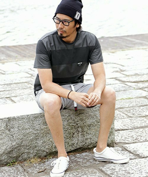 BLACK LABEL BORDER TEE & GRAMICCI SHORTS SNAP